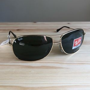 RAY-BAN Gold Metal Aviator Sunglasses NWT Unisex